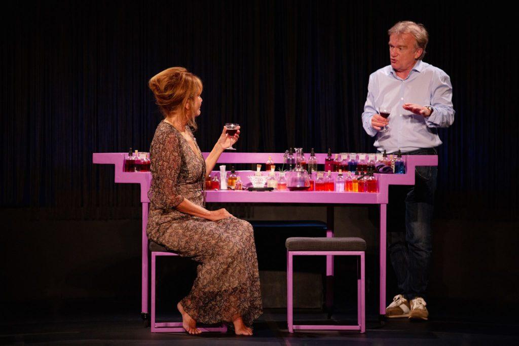 Clémentine Célarié, Dominique Pinon, dans la pièce de théâtre DARIUS à la Comédie des Champs Elysées